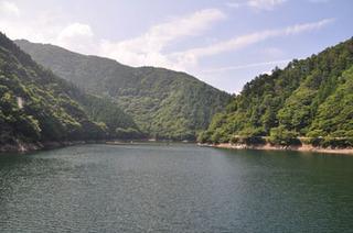 猿谷ダム-ダム湖の風景.jpg